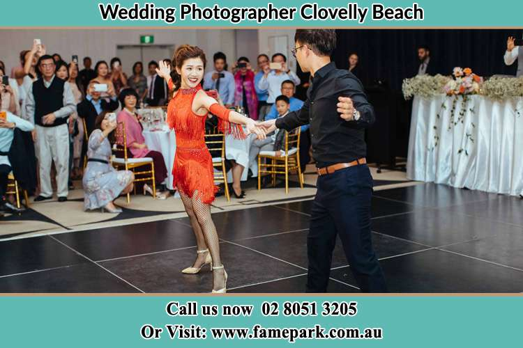 Photo of the Bride and the Groom dancing at the dance floor Clovelly Beach NSW 2031